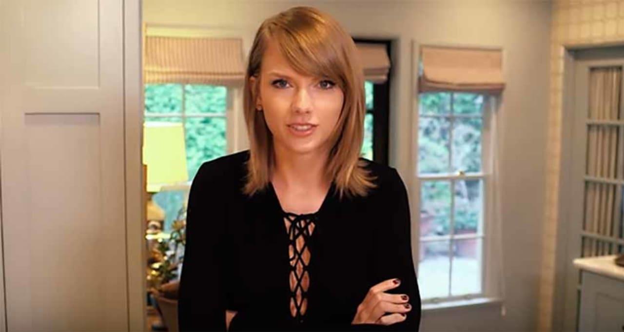Strange Taylor Swifts 25Th Birthday Cake From Milk Bar Was So Good Even Funny Birthday Cards Online Inifodamsfinfo