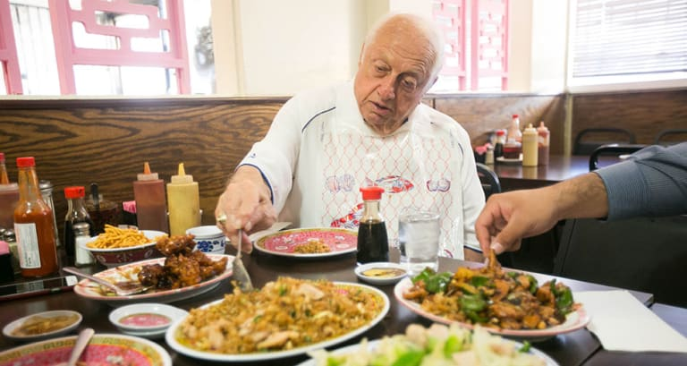 Super How To Lunch Like Dodgers Savior Tommy Lasorda First We Feast Home Interior And Landscaping Pimpapssignezvosmurscom