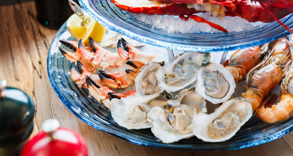 ... Smoky Oysters Raised in Smoked Sea Salt-Infused Water | First We Feast Oyster Eating Salt