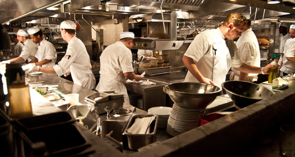 Attirant Kitchen Slang 101: How To Talk Like A Real Life Line Cook | First We Feast