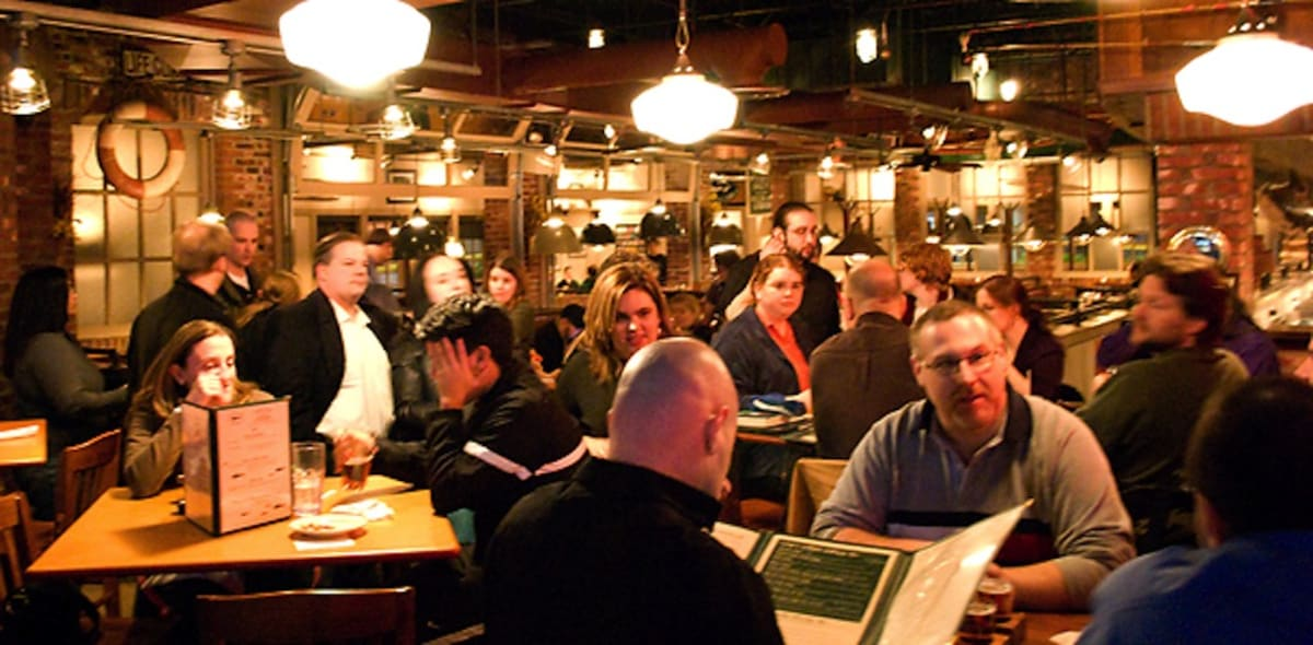 Crowded Restaurant Table In Ben Leventhal Explains Why Bad Restaurants Are Busy First We Feast