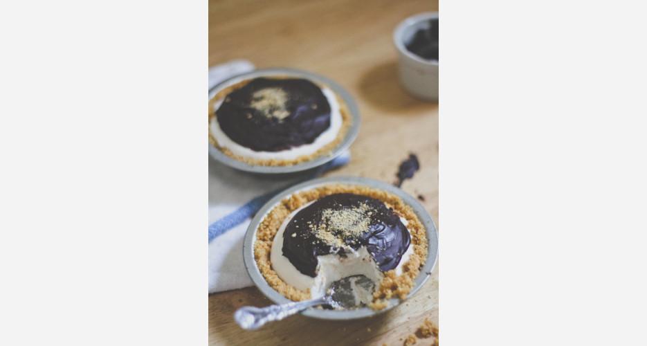 Mallomar Pie. Bigger is always better, so why not turn tasty, tiny ...