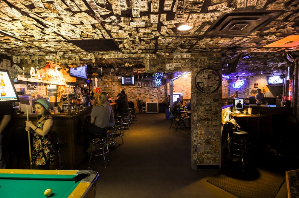 19 bucket list dive bars to try before you die first we for Bar dive